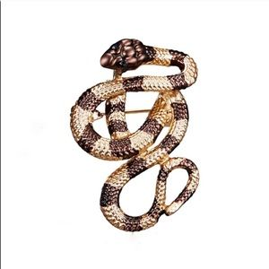 Jewelry - 🆕 SNAKE BROOCH PIN
